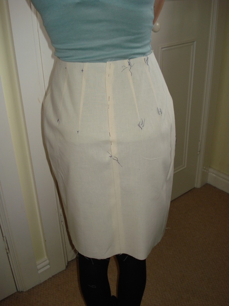Back on Track - the Skirt (3/6)
