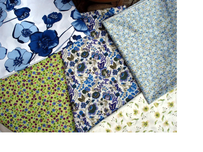 Vintage feel cotton fabrics from Linda Harper.  I'm going to use the blue floral print on the right.