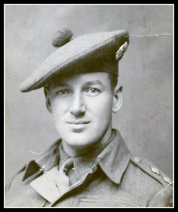 Leuitenant Douglas Simpson, Royal Scots