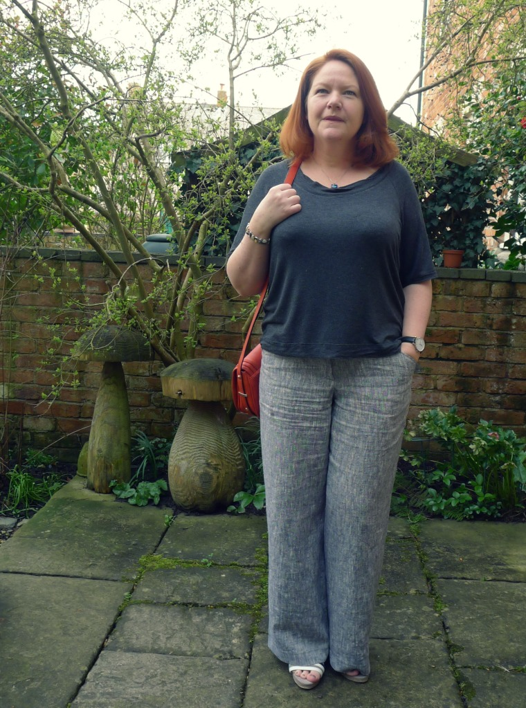 Another pair of linen trousers in my favourite Burdastyle pattern