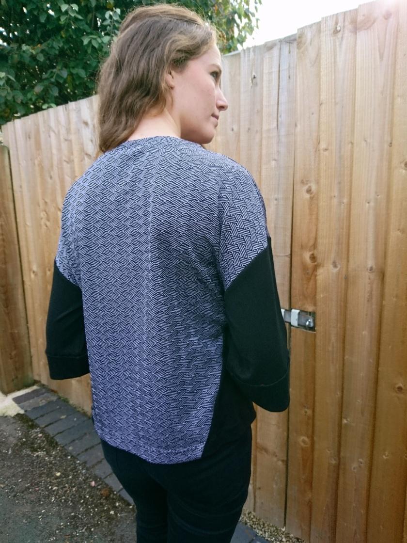 contrast sweatshirt 5